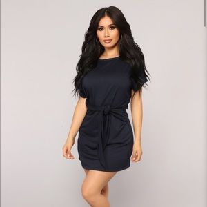 Fashion Nova tie dress - navy